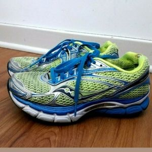 Saucony Triumph 9 Running Training Shoes